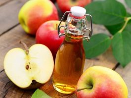 Опустите ноги в яблочный уксус — и все болезни уйдут