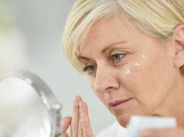 Как ухаживать за лицом после 50 лет: 3 эффективные омолаживающие процедуры