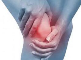 Этот рецепт пытаются удалить из Интернета, потому что это окончательное лечение боли в колене, которое немедленно восстанавливает кости и суставы