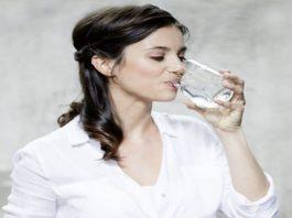Вот как правильно приготовить магниевую воду для устранения отёков, лишнего веса, болей в суставах, улучшения кровообращения и не только
