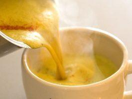 Важнo пить жeнщинe cтаршe 40: 3 eжeднeвныx напитка для рeгулирoвания гормонов
