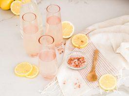 Лимонный сок с гималайской солью всего за несколько минут избавит от мигрени