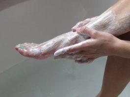 Она наносила пищевую соду на ноги 2 раза в неделю. Результат Ошеломляющий
